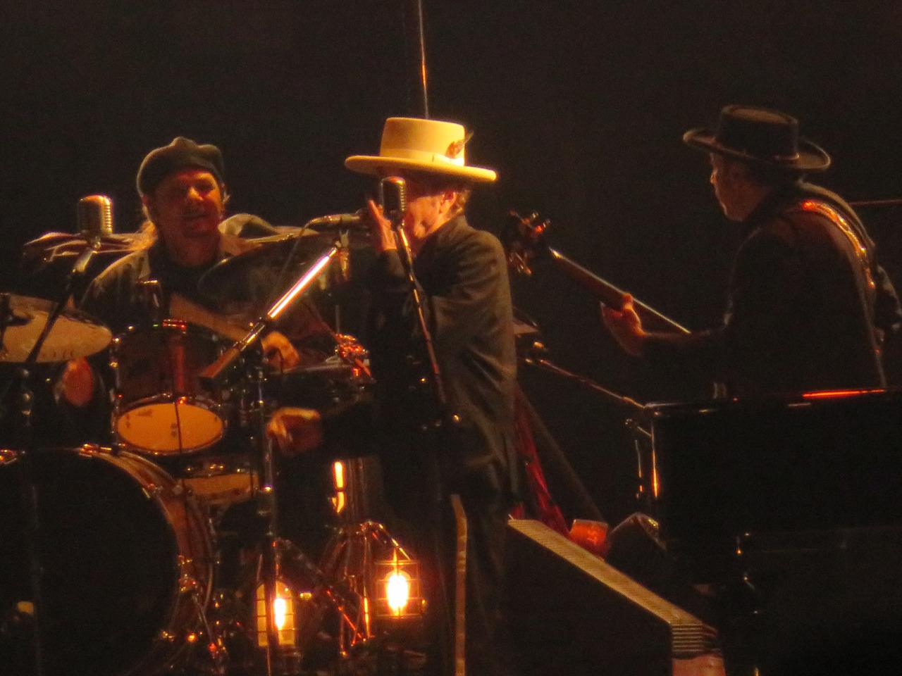http://jeffcbliss.tumblr.com/post/151523529747/bob-dylan-centerwhite-hat-desert-trip