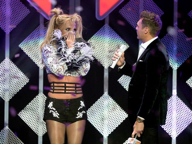 Britney Spears gets surprise during the show in Los Angeles