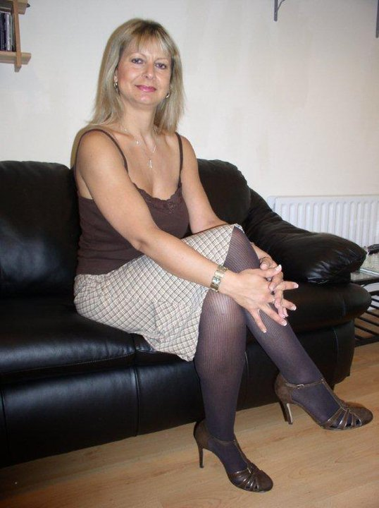 Free Mature Pantyhose Videos
