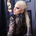 Lirik Lagu Shallow - Lady Gaga dan Terjemahan