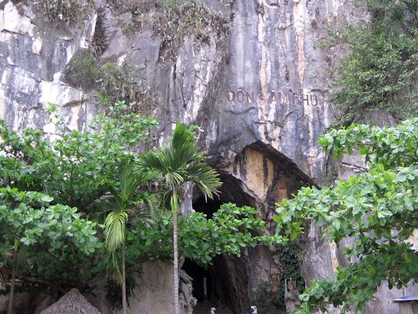 Cueva Am Phu de Danang (cueva del infierno)
