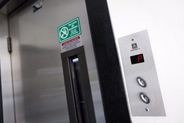 TJDFT confirma indenização à idosa lesionada em elevador