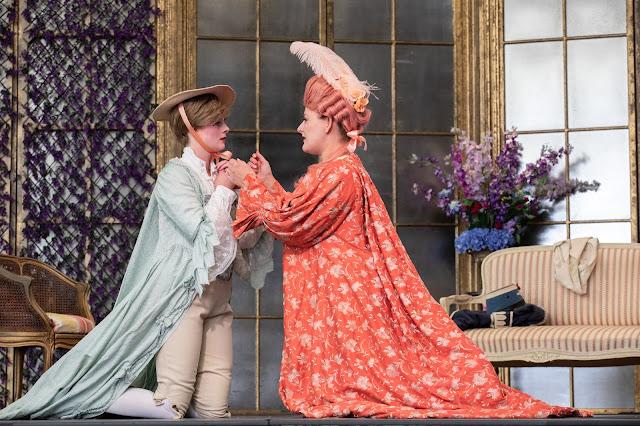 Mozart: Le nozze di Figaro - Charlotte Badham, Siân Dicker - Opera Holland Park (Photo Ali Wright)
