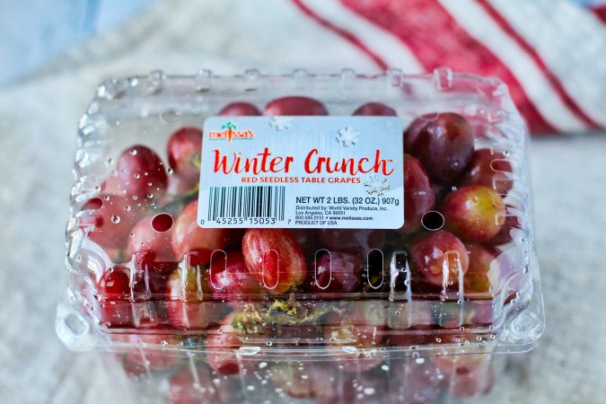 Winter Crunch Grapes package
