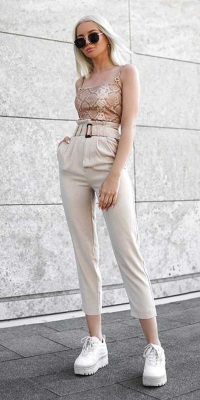 Transform your summer looks with these fashion-forward summer outfits for every summer occasion. Summer Outfit Ideas via higiggle.com |  #summeroutfits #fashion #style