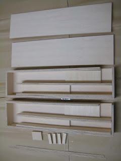 カットが正しいかと木材に欠品が無いかを確認 Confirm the cut size and if any missing piece(s)