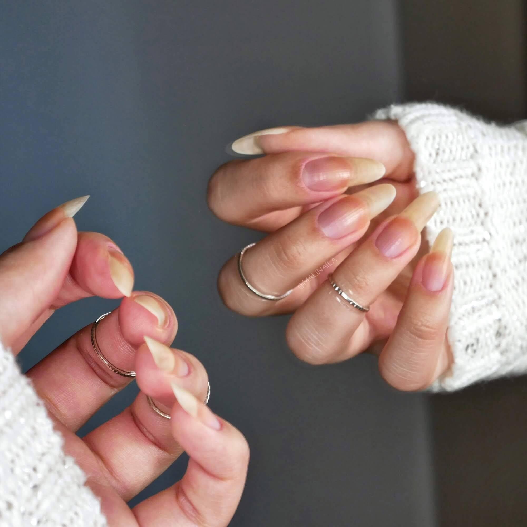 bardzo długie paznokcie