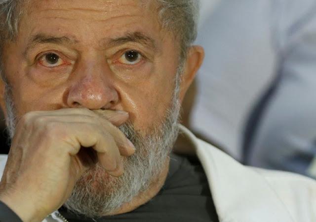 Juiz manda soltar ex-presidente Lula; Petista deve ser liberado da prisão ainda neste domingo