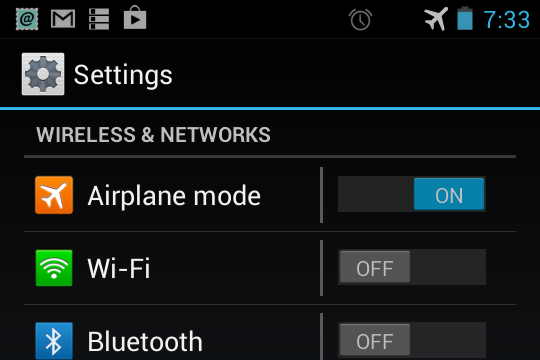 what does airplane mode do on a cell phone