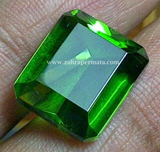 Batu Permata Green Tektite - ZP 224