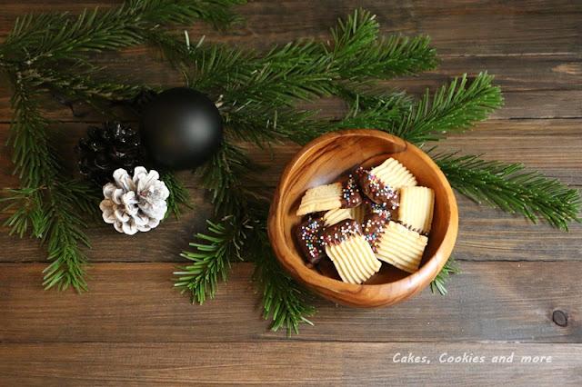 Spritzgebäck mit Schokolade aus dem Pastamacker von Philips