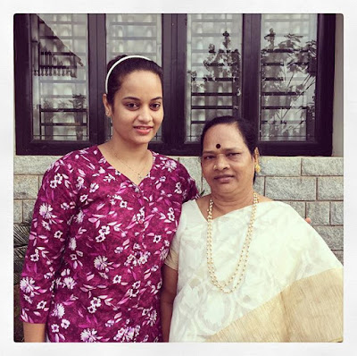 Suja with mother Vijay Kumari