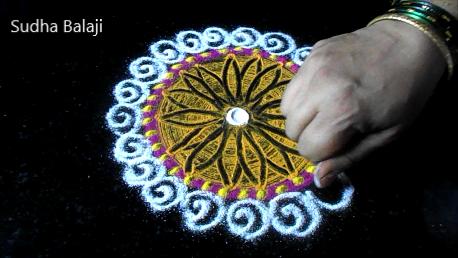 small-circular-rangoli-1ae.png