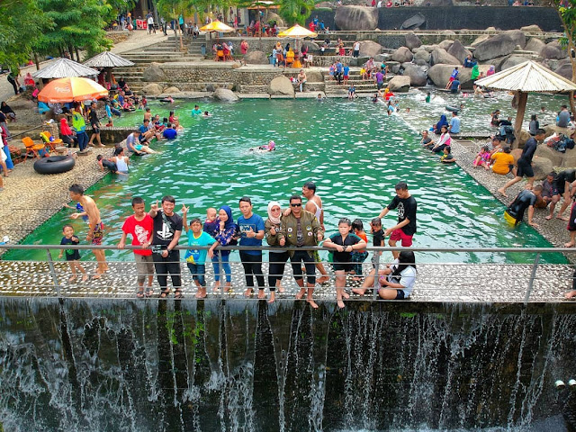 Taman Batu Purwakarta, Kolam Berbatu yang Indah Untuk Selfie