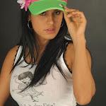 Andrea Rincon – Selena Spice – Cachetero Verde Foto 2