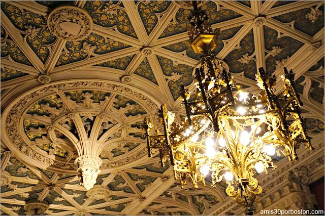 Techo del Salón Gótico de Marble House, Newport