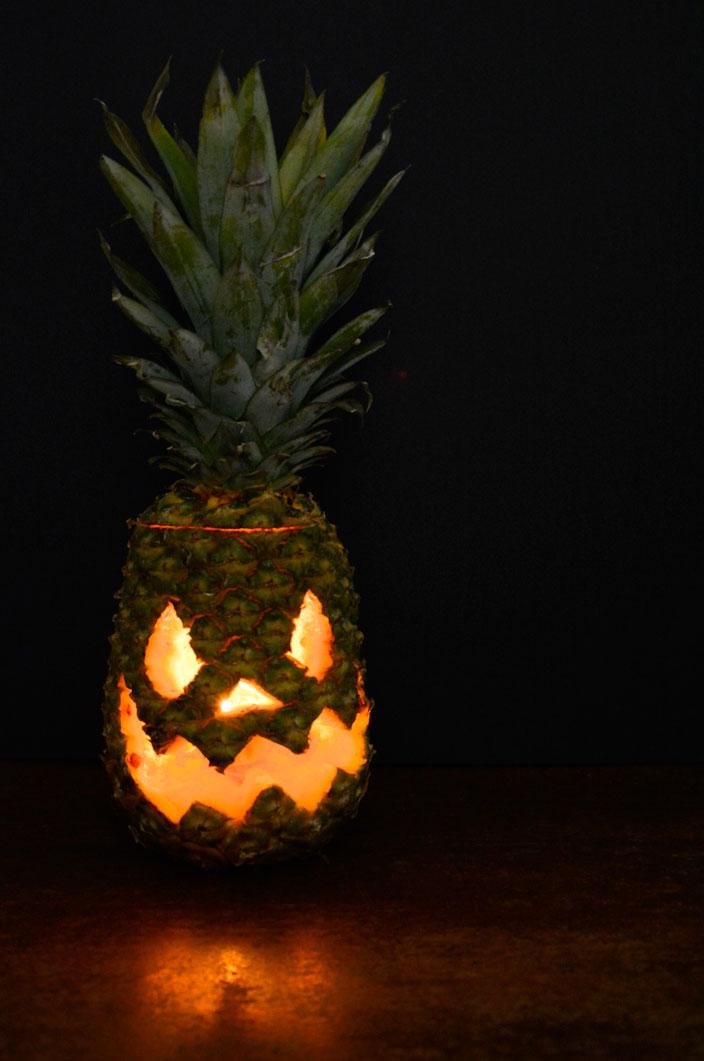 Cómo hacer una piña de halloween