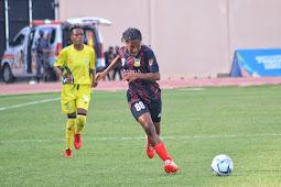 Tim Sepak Bola Putri Papua Bantai Papua Barat 7-0 di Stadion Katapal Merauke