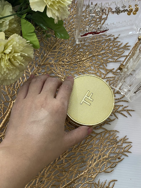 A photo of Tom Ford Shade and Illuminate Cushion Compact Review