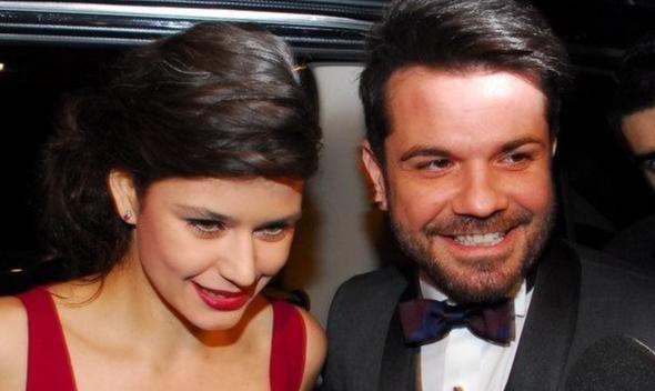 رد الفنان كينان دوغلو زوج الممثلة بيرين سات على خبر طلاقهما