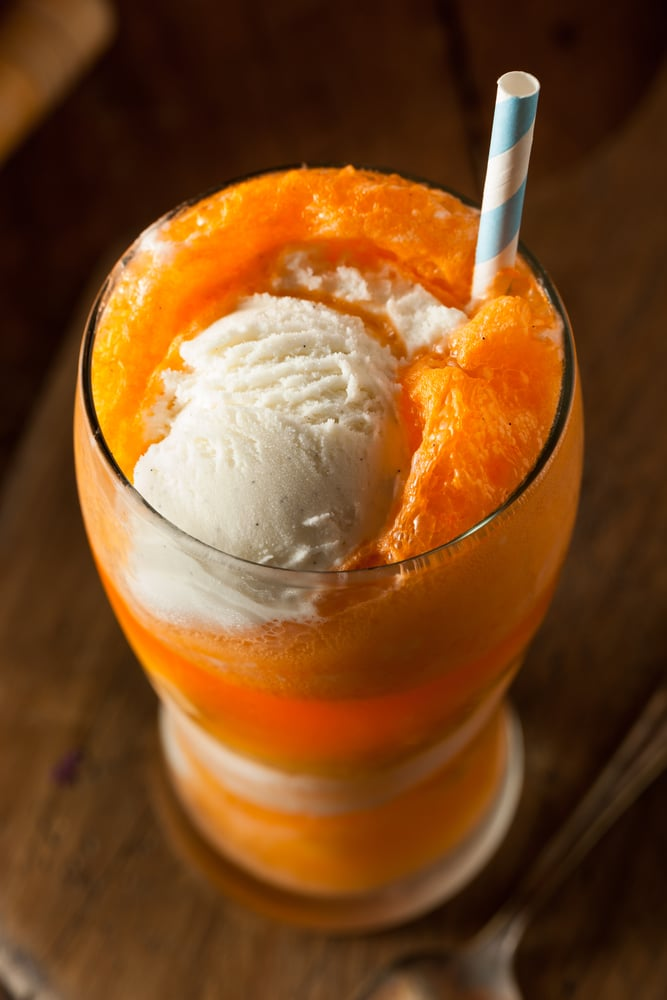 BOOZY CREAMSICLE FLOAT #cocktail #summerdrink