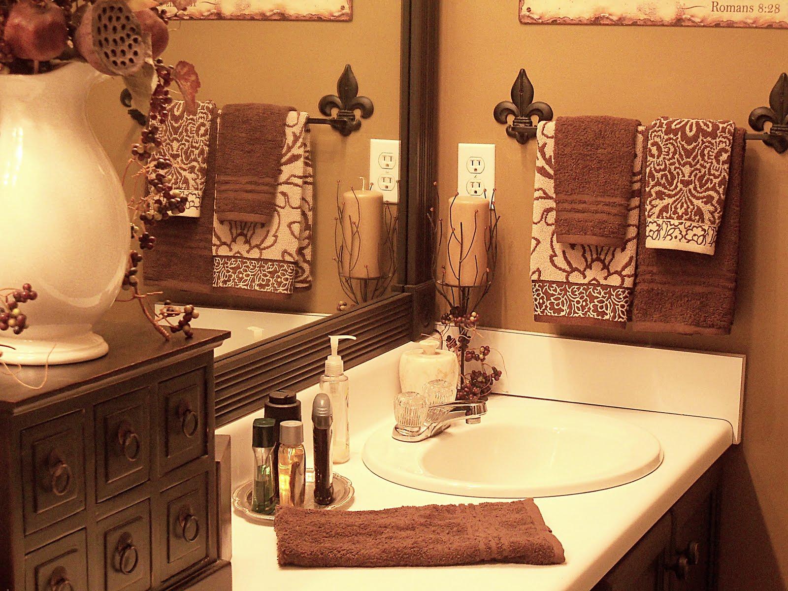 Boiserie c 26 bagni classici con stile - Arredo bagno classico elegante ...