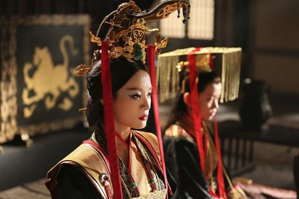 พระนางเซวียนไท่โฮ่ว (Queen Dowager Xuan: 宣太后)