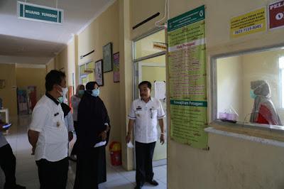 Pjs. Bupati Pesisir Barat Tinjau Rapid Test Anggota Pengawas Tempat Pemungutan Suara di 3 Kecamatan