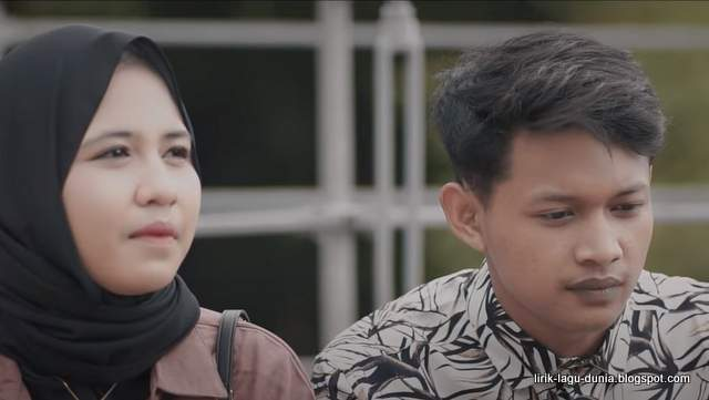 Lirik Lagu Lungoku Kerjo - Didik Budi feat. Cindi Cintya Dewi