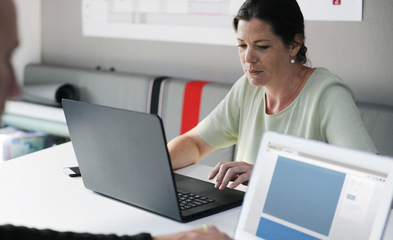 Les femmes sont payées 24% moins que les hommes en Région Sud PACA