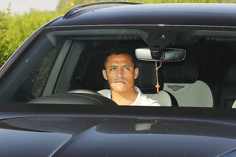 Pergi dari Manchester United, Alexis Sanchez Hadir di Kamp Inter