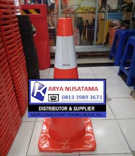 Jual Trafic Cone Jalan  70 cm  36cm x 36cm di Makasar