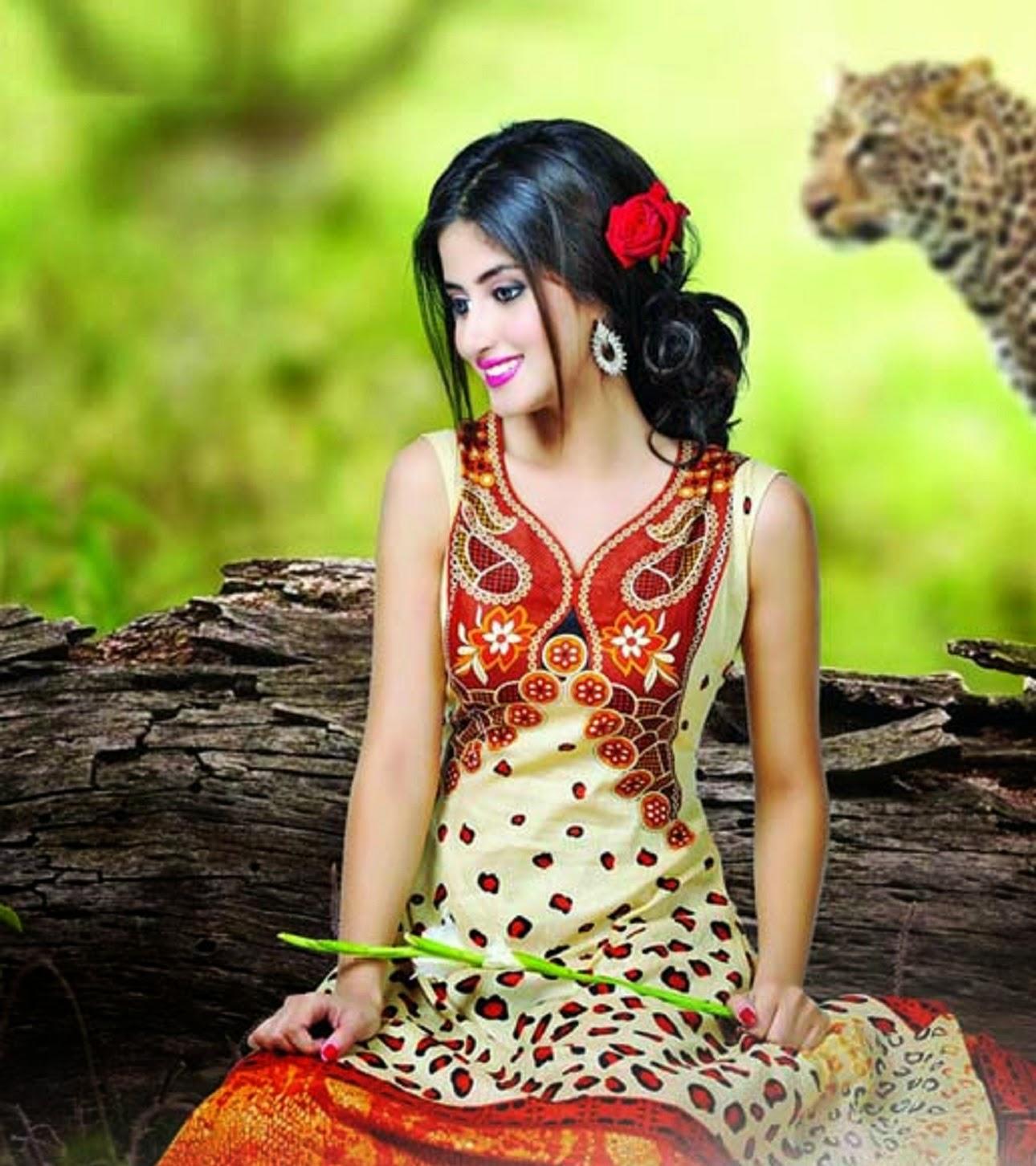 New Year 2014 Hd Wallpapers Dynamic Views Very Pretty Pakistani Actress Sajal Ali