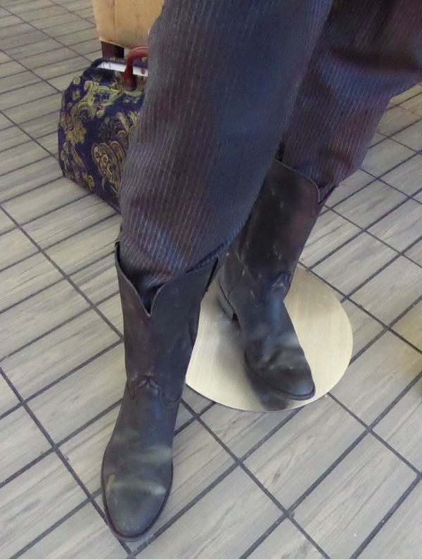 Oswaldo Mowbry costume boots Hateful Eight