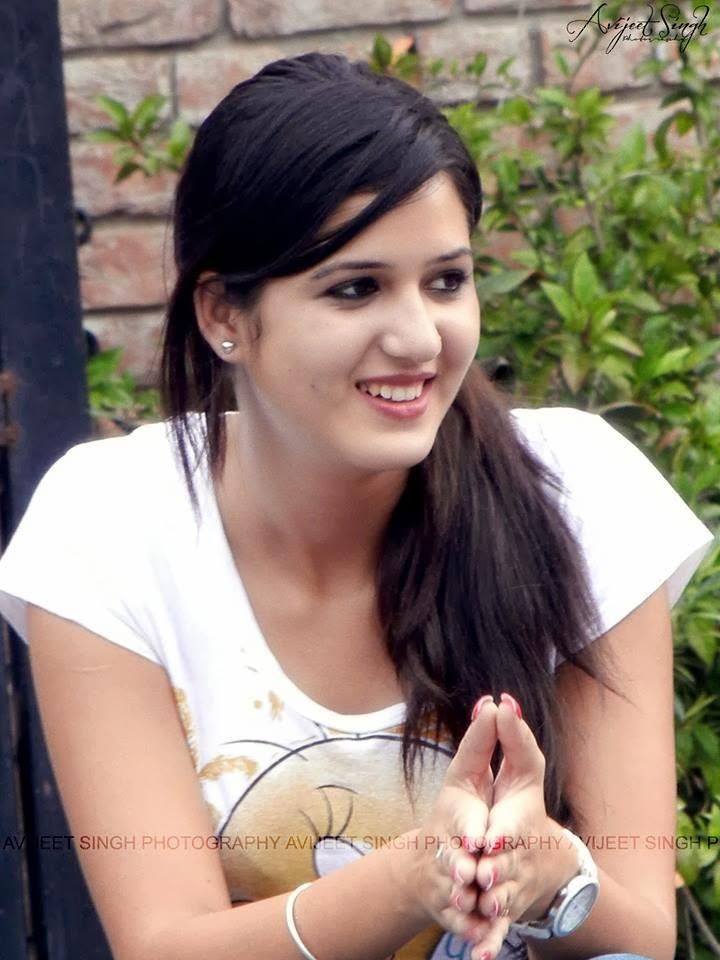 Punjabi Girl And Boy Wallpaper Hd Wallpapers Of Punjabi Celebrities Isha Rikhi