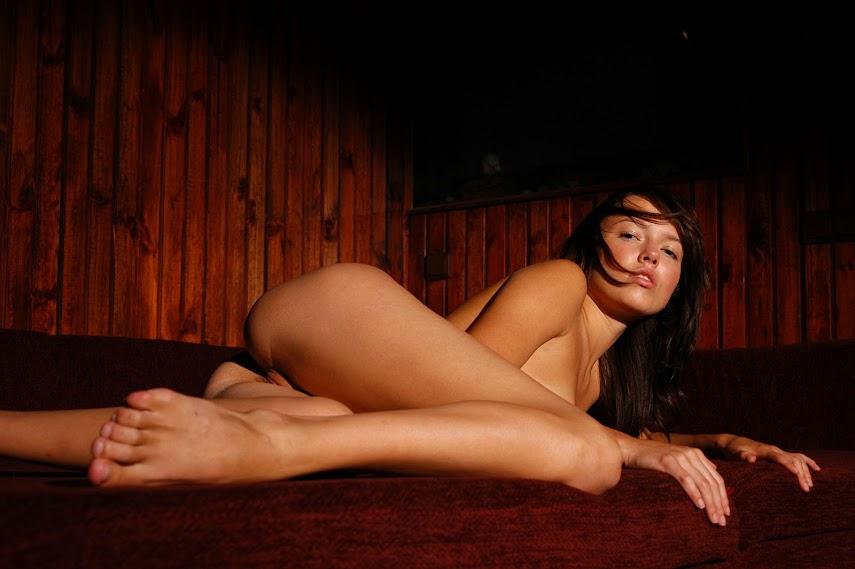 Met-Art 20040705 - Girls - Notorius - by Voronin