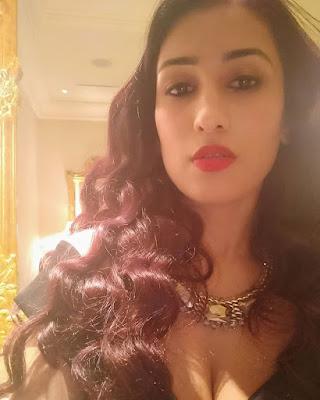 Mohmad kaif's wife pooja kaif yadav
