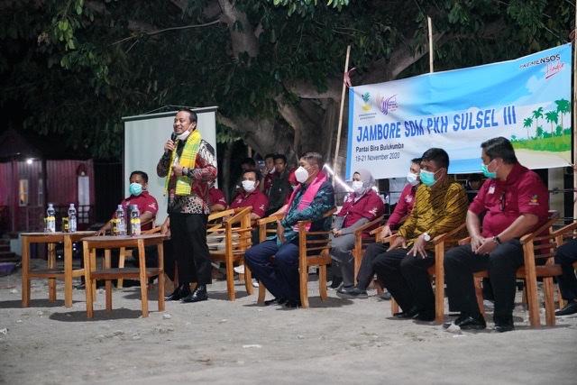 Andi Sulaiman dan Sukri Sappewali Buka Jambore SDM PKH III di Pantai Bira Bulukumba.lelemuku.com.jpg