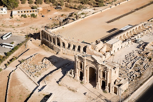Aerial photography shows off Jordan's archaeological treasures—and reveals sites at risk