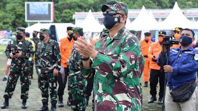 Tinjau Venue Terjun Payung PON XX Papua, Kepala Staf TNI AU Ingatkan Keselamatan