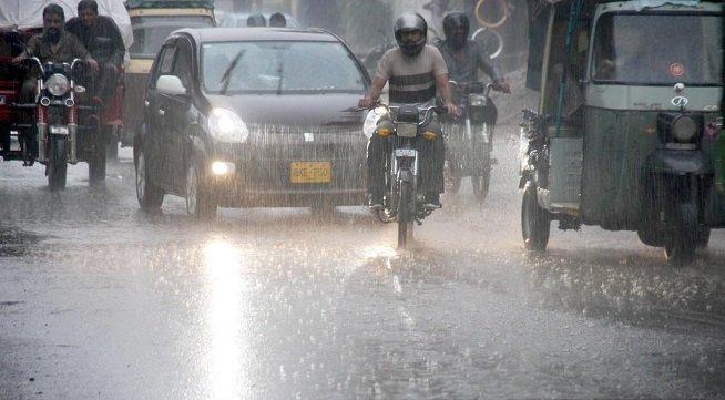 کراچی سمیت سندھ بھر میں مون سون بارشوں کا آغاز.. بارشوں کا سلسلہ جاری رہیگا