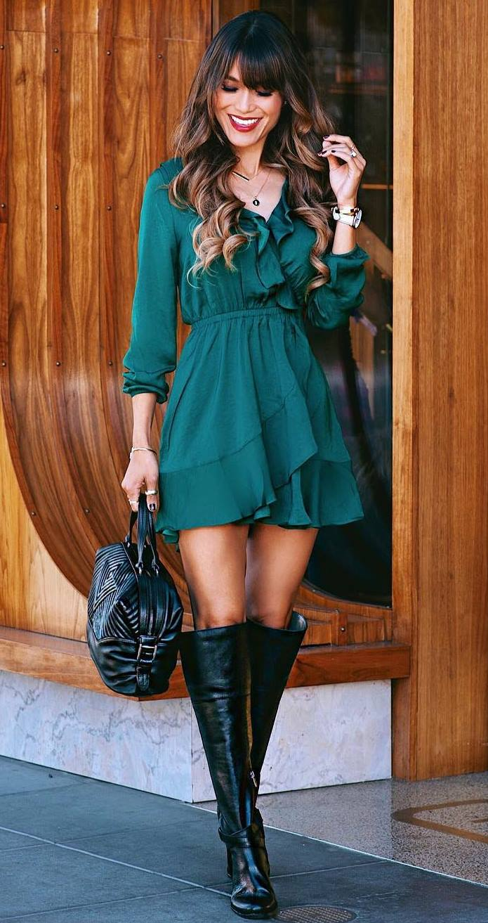 what to wear wiht a ruffle green dress : bag and black over knee boots