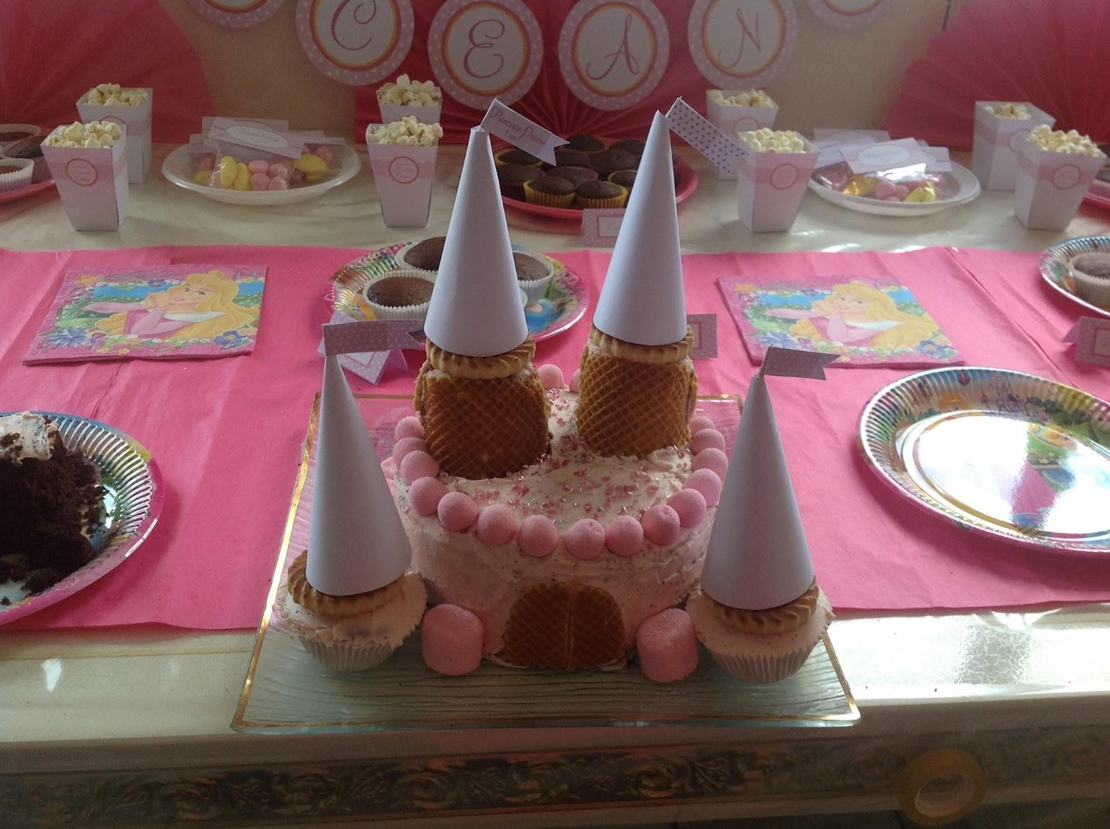 gâteau d'anniversaire imitation chateau de princesse