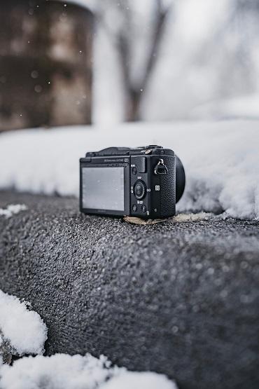 Cómo-proteger-tu-cámara-en-invierno