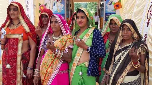 नगर निकाय चुनाव में मतदाताओं ने उत्साह से किया मतदान