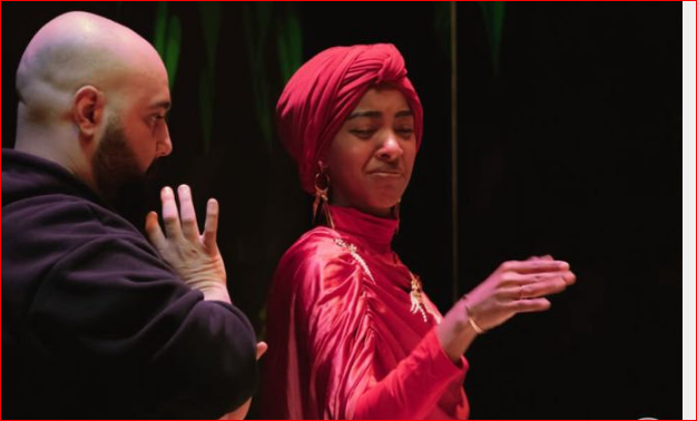السيرة الذاتية لـ نجاة مفتاح بطلة مسرحية حياة الإمبراطور واول سعودية تُشارك في عرض مسرحي