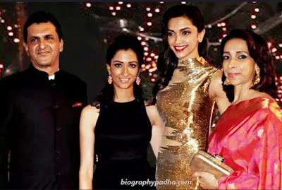 Deepika Padukone Family Photo
