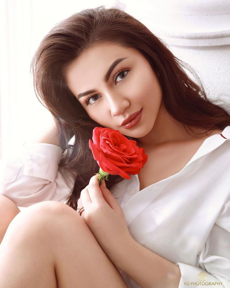 mata indah bibir seksi ariel tatum photoshoot