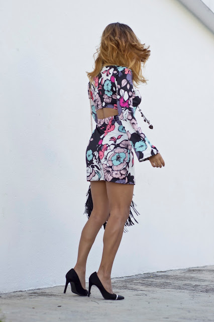 http://www.banggood.com/Sexy-Floral-Backless-Flare-Sleeve-Sheath-Mini-Dress-For-Women-p-1044183.html?utm_source=sns&utm_medium=redid&utm_campaign=goodselfiereview&utm_content=chelsea