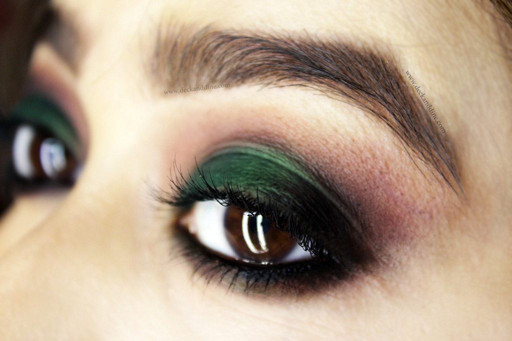 Quick Simple And Easy Green Smokey Eye Makeup Tutorial Deck And Dine